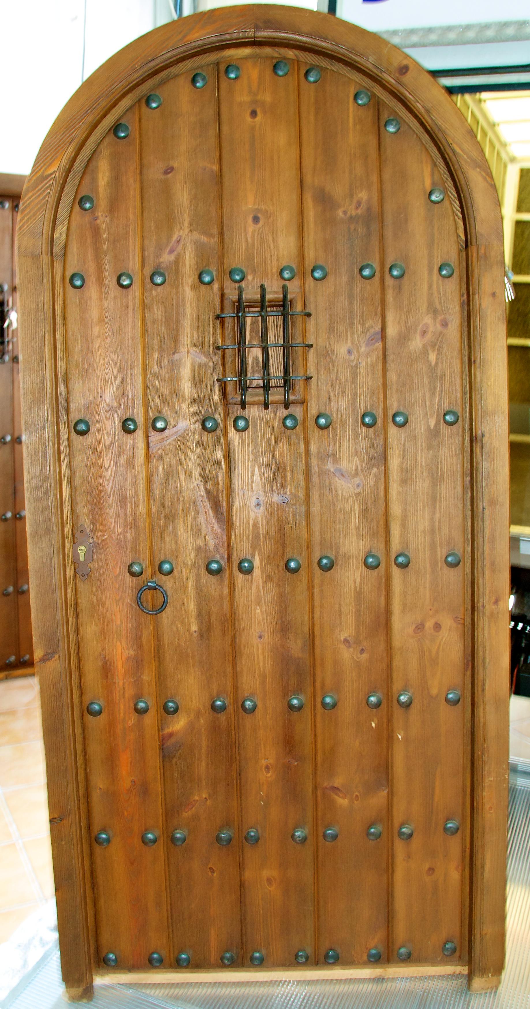Portones y puertas privatsale for Descripcion de puertas de madera